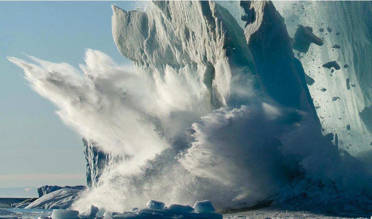 Calving ice sheet